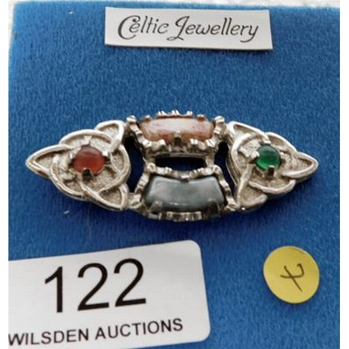 122 - Celtic brooch