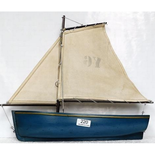220 - Pond yacht