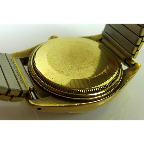 829 - A 9ct gold Rolex Oyster Perpetual Date gentleman's wristwatch, Superlative Chronometer Officially Ce...
