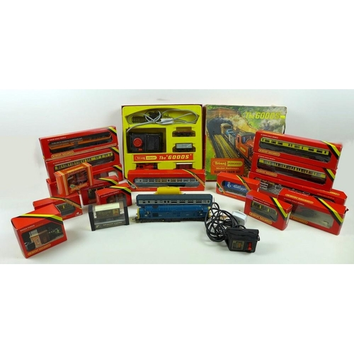 619 - A quantity of Hornby Dublo, including boxed Tri-ang Hornby 'The Goods' set, various boxed and loose ...