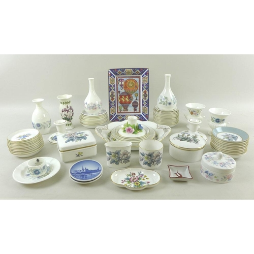 515 - A large collection of modern Royal Worcester, Wedgwood and Coalport, including pin dishes, plates, v...
