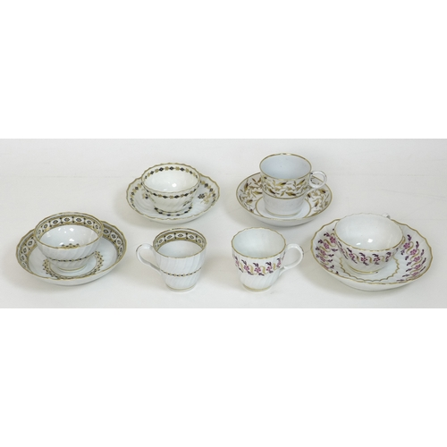 14 - A group of late 18th / early 19th century Worcester porcelain tea cup sets, comprising a Flight tea ...