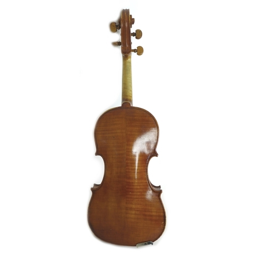 76 - An early 20th century 4/4 violin, paper labels to the interior, one written and printed 'Robert Raeb...