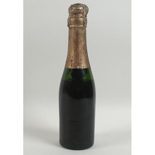 94 - Vintage Champagne: a quarter bottle of Harlaux Vervel & Fils Champagne, Vintage 1920, Extra Dry, Epe...
