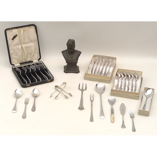 35 - A collection of silver and plated flatware including a Victorian silver spoon, London 1901, makers m...
