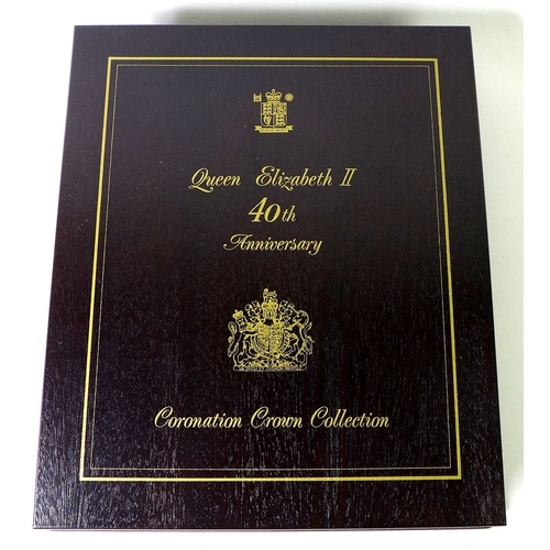 87 - A Queen Elizabeth II 40th Anniversary Coronation Collection, comprising eighteen Royal Mint crown si...