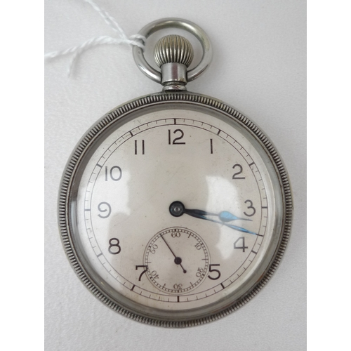 271 - A WWII military pocket watch, the back of the white metal body stamped GS/TP, broad arrow, 009764, f...