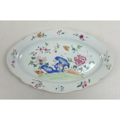 76 - A Chinese porcelain dish, Qing Dynasty, 19th century, decorated in underglaze blue, overglaze enamel...
