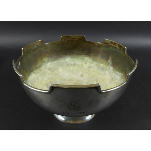 93 - A George V silver circular footed bowl, with castellated rim, engraved initials 'CGS 1st June 1919',...
