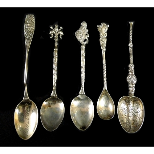 9 - A group of silver items, comprising a Victorian berry spoon, Walker & Hall, Sheffield 1897, a cased ...