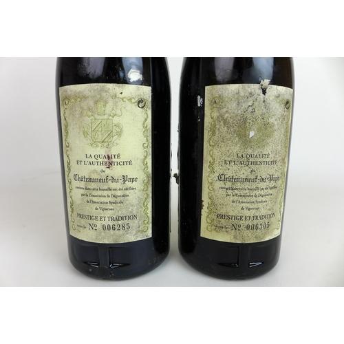 207 - Vintage Wine: two bottles of Bosquet des Papes Chateauneuf-du-Pape 1989, U: middle neck. (2)...