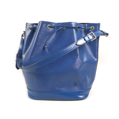 47 - A Louis Vuitton Noe Epi leather shoulder bag in blue, with Louis Vuitton stamped brass fittings, 34 ...