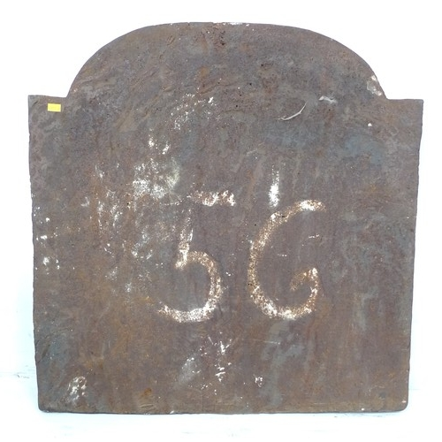 204 - A modern cast iron fire back, in Georgian style, decorated with a classical woman, 62 by 4.5 by 64cm...
