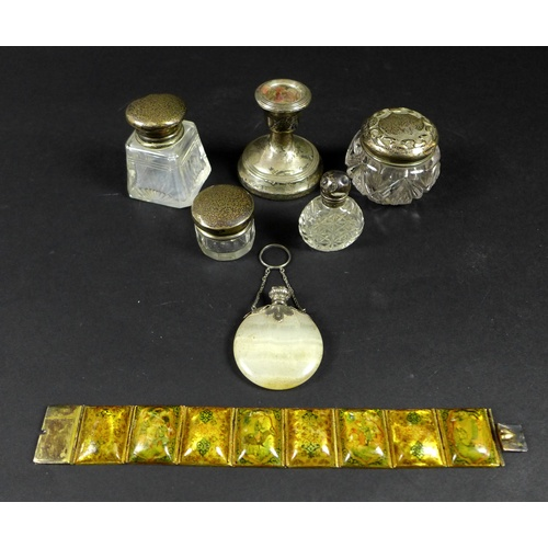 29 - A group of eight silver and decorative items, comprising a small white metal topped agate flask, 4.2...