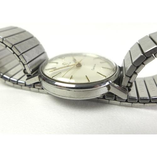 92 - An Omega Geneve gentlemen's stainless steel wristwatch, ref 131.018 SP, circa 1970, circular silvere...