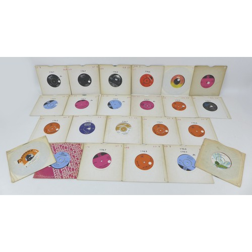 81 - A large collection of over 270 1960s and later rock and pop vinyl 45s, including Bob Dylan 'I want y...