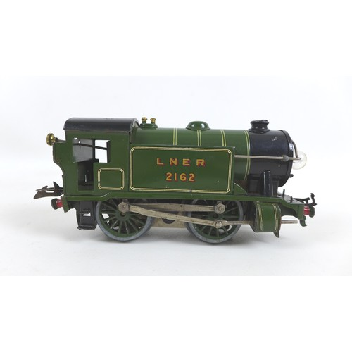 131 - A 1930s Hornby 0 gauge LNER 2162 0-4-0 E120 Special tank loco in green....