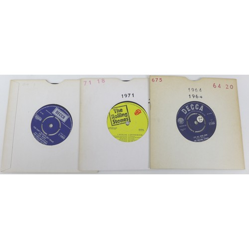 83 - A large collection of over 270 45s from 1960s and later, including Beatles Magical Mystery Tour albu...
