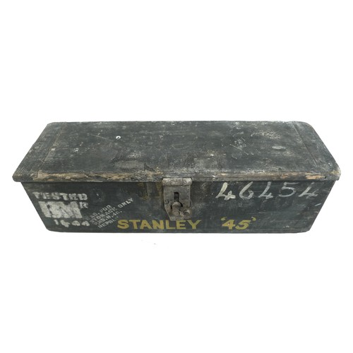 179 - A Stanley 45 moulding plane, in original branded wooden box, with attachments, seventeen blades and ...