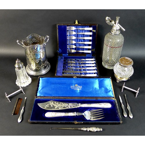 12 - A collection of silver plated wares, including an Edwardian silver handled boothook, 20cm long, thre...