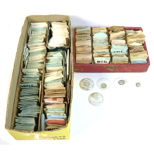 196 - A quantity of watch lenses, including makers Champion, Apex, BCL, Tru-Seal, Precista, Kaye MM, and M...