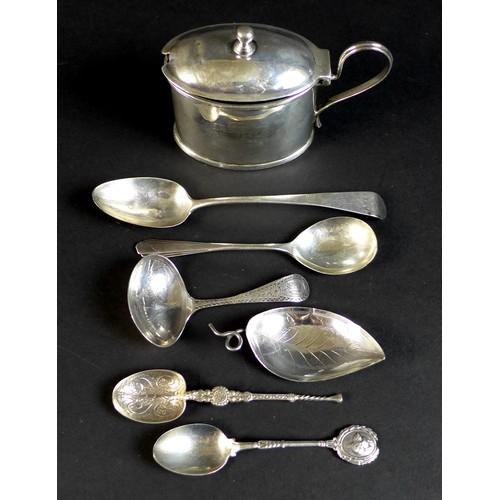 45 - A group of George III, comprising a teaspoon, Thomas Wallis II, London 1798, 13.5cm long, a tea cadd...