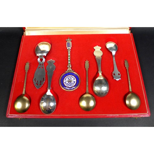 47 - A cased set of Danish commemorative silver spoons, comprising a Christian IX and Queen Louise weddin...