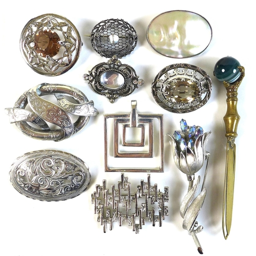 108 - A group of jewellery, comprising an Art Nouveau silver brooch, possibly Charles Horner, of oval form...