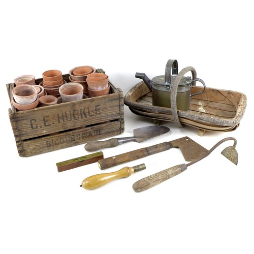 280 - A group of vintage garden items, comprising forty five terracotta pots, smallest 5.5cm diameter, lar...