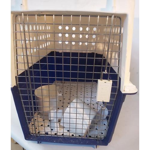 11 - Plastic Dog Travel Case