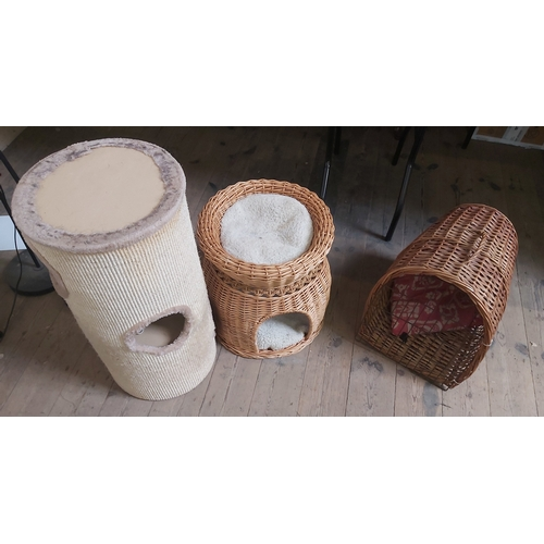 116 - Wicker Cat Travelling Case,Wicker Cat House and a Cat Scratch Tower