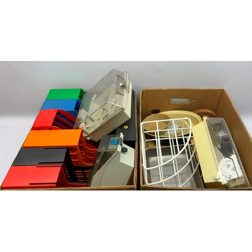 509 - Plastic storage boxes, various kitchen items etc, in two boxes