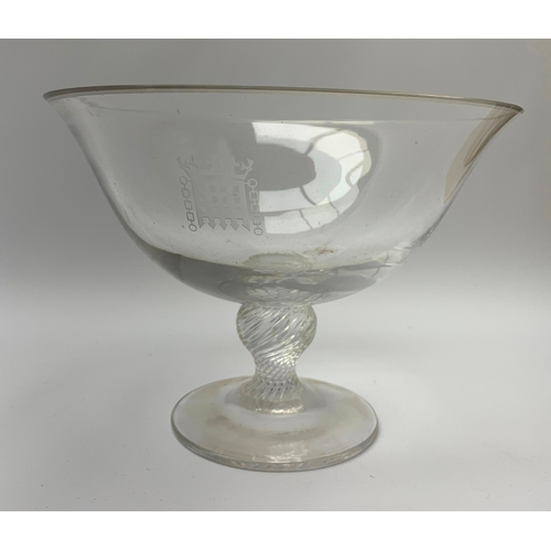 528 - Dartington footed bowl/dish, with etched Houses of Commons emblem to the front, H15.5cm