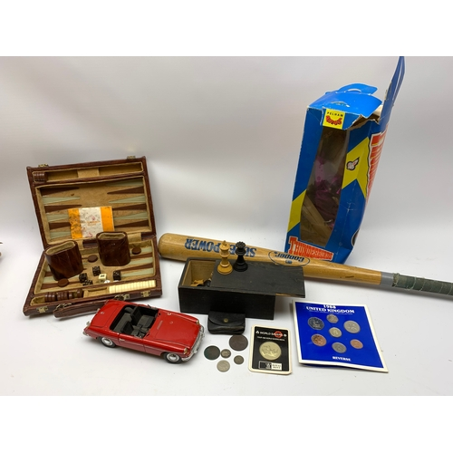 530 - Thunderbirds Pelham Puppet, various wooden chess pieces, small number of coins etc, in one box