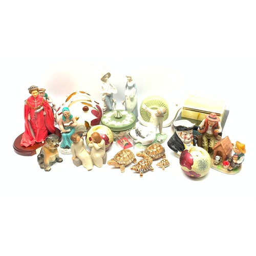563 - Group of assorted figures, to include Lladro and Wade, Wedgwood Jasperware pot and cover, etc.