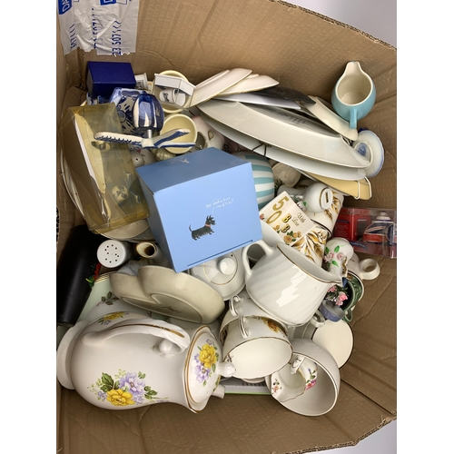 653 - Various ceramics, to include boxed Ringtons tea caddy, various tea wares, plates, etc., in two boxes