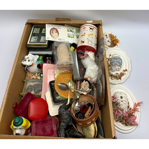 658 - Miscellaneous items including a first day cover, 'Elddis Owners Club' fob, various empty boxes etc, ...