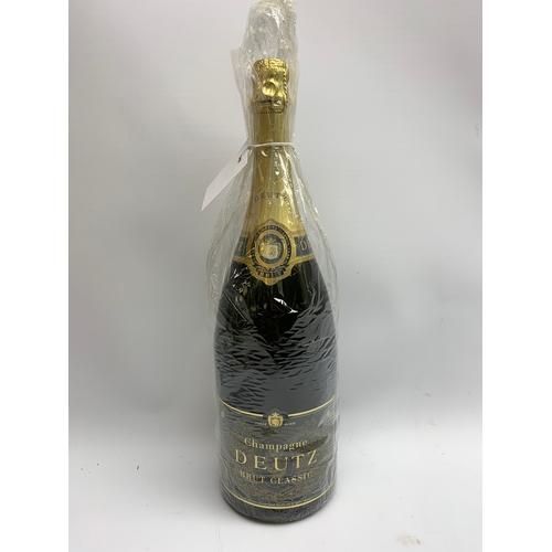 677 - Champagne Deutz Brut Classic 1.5 litre 12% vol
