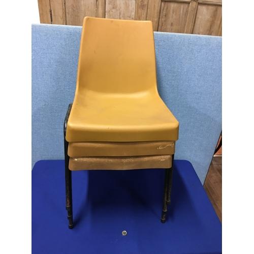 34 - 3 plastic retro chairs...