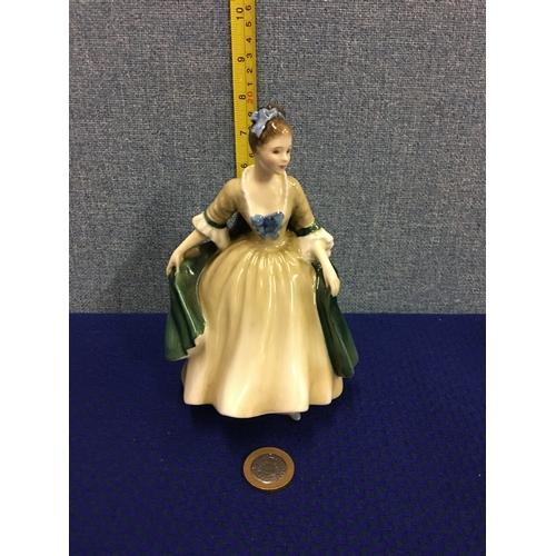 16 - Royal Doulton Elegance figurine HN2264 1960...