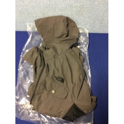 39 - New Northface jacket....