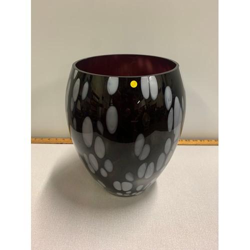 29 - Art glass vase 32cm tall...