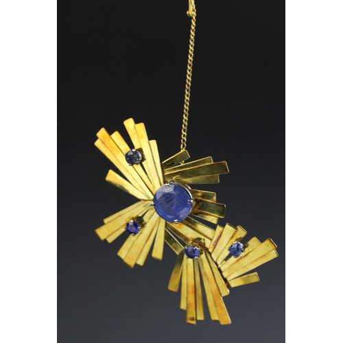 58 - Mid 20th century sapphire 18ct yellow gold asymmetric modernist brooch, the principle blue round mix...