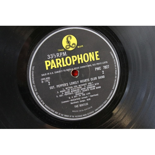 433 - Vinyl - The Beatles Sgt Pepper (PMC 7027) Mono, The Gramophone Co Ltd, Sold In UK, 33 and a Third on...