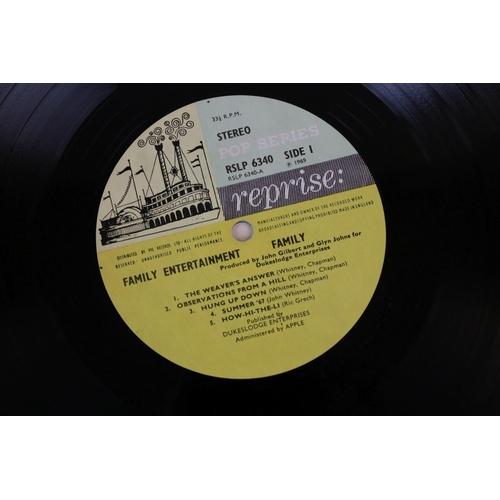 452 - Vinyl - Family Family Entertainment (Reprise RSLP 6340) Steamboat label, stereo, no poster.  Sleeve ...