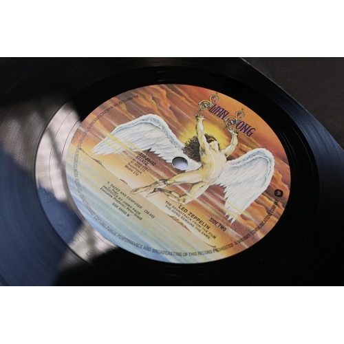 514 - Vinyl - Led Zeppelin The Song Remains The Same (SSK 89402) gatefold sleeve with booklet attached. Sl...