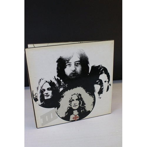 516 - Vinyl - Led Zeppelin Three (2401002) Red & Maroon Atlantic label, Jimmy Page & Peter Grant shown to ...