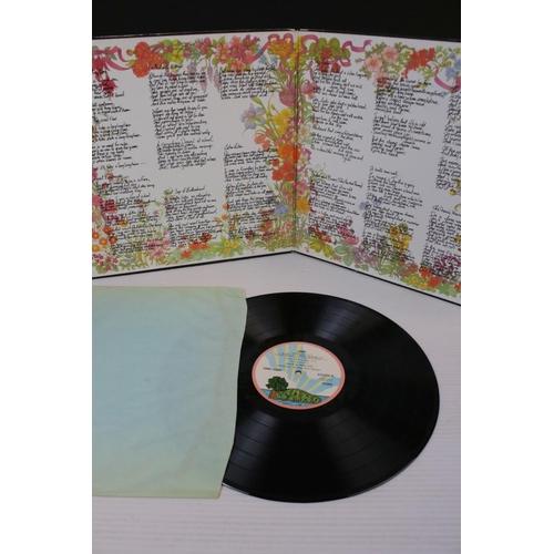 826 - Vinyl - Folk 4 LP's to include Fotheringay Self Titled (ILPS 9125) pink rim Island label, Sandy Self...