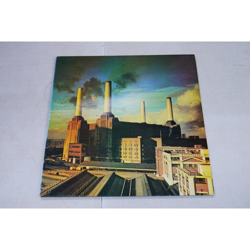 900 - Vinyl - 13 Pink Floyd LPs to include The Wall, Meddle, Relics, Dark Side of the Moon, The Final Cut,...
