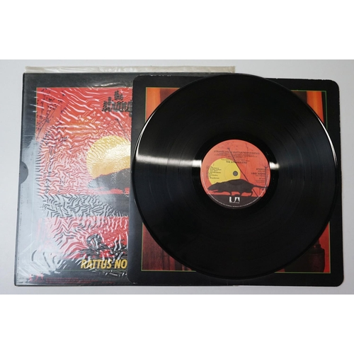 335 - Vinyl - 6 UK punk albums to include The Stranglers (x3 including the Black & White with free 7